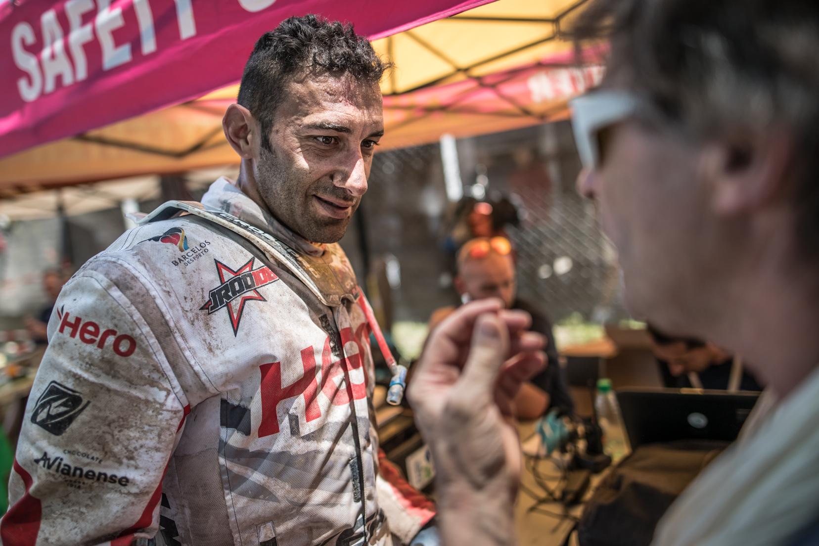Joaquim Rodrigues continua a surpreender em ano de estreia no Rali Dakar