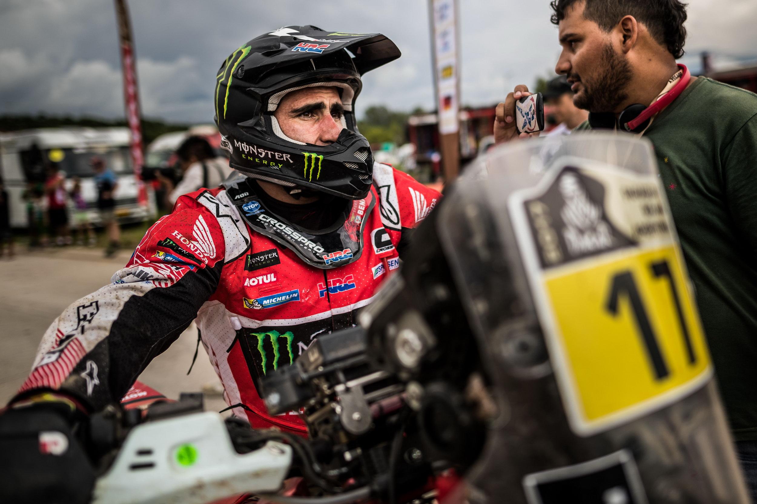 Paulo Gonçalves puxa de mais um ato altruísta para ajudar Toby Price na quarta etapa do Dakar 2017