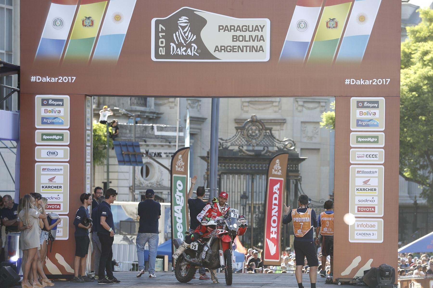 Pedro Bianchi Prata festeja nono Dakar terminado